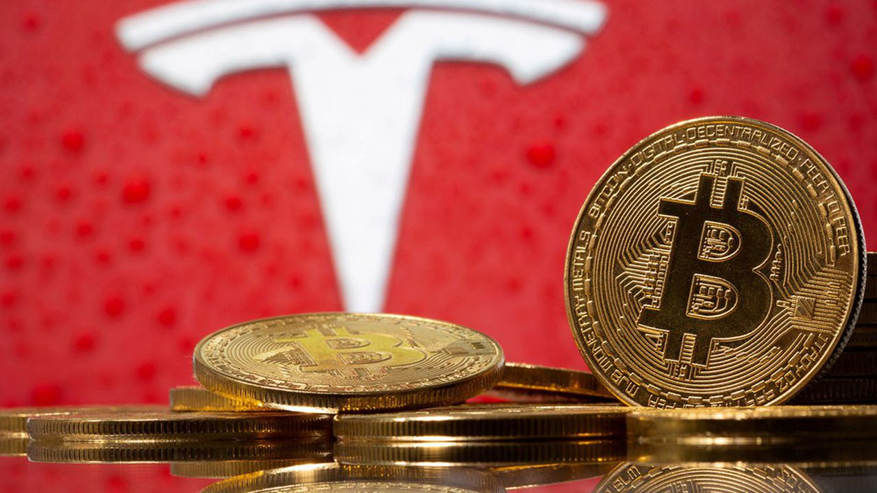 La capitalisation du bitcoin évolue, ce lundi, autour de 730milliards de dollars.