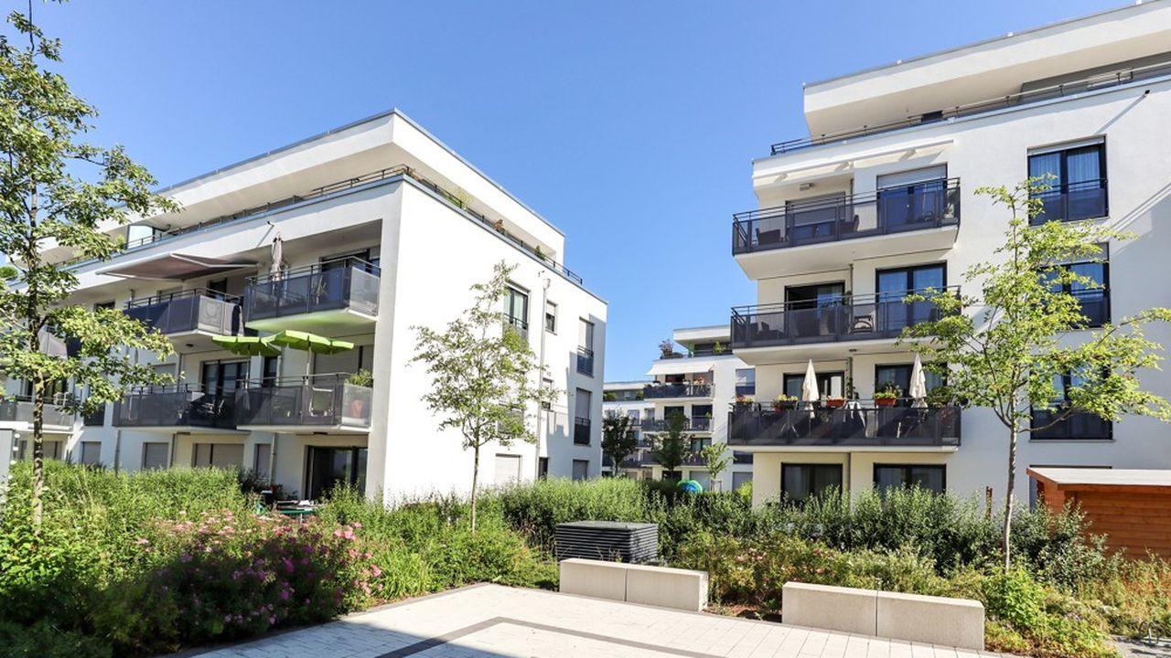 Un logement acquis dans le cadre de la loi Pinel ouvre droit à une réduction d'impôt jusqu'à 21% si le propriétaire s'engage à louer son bien pendant douze ans.
