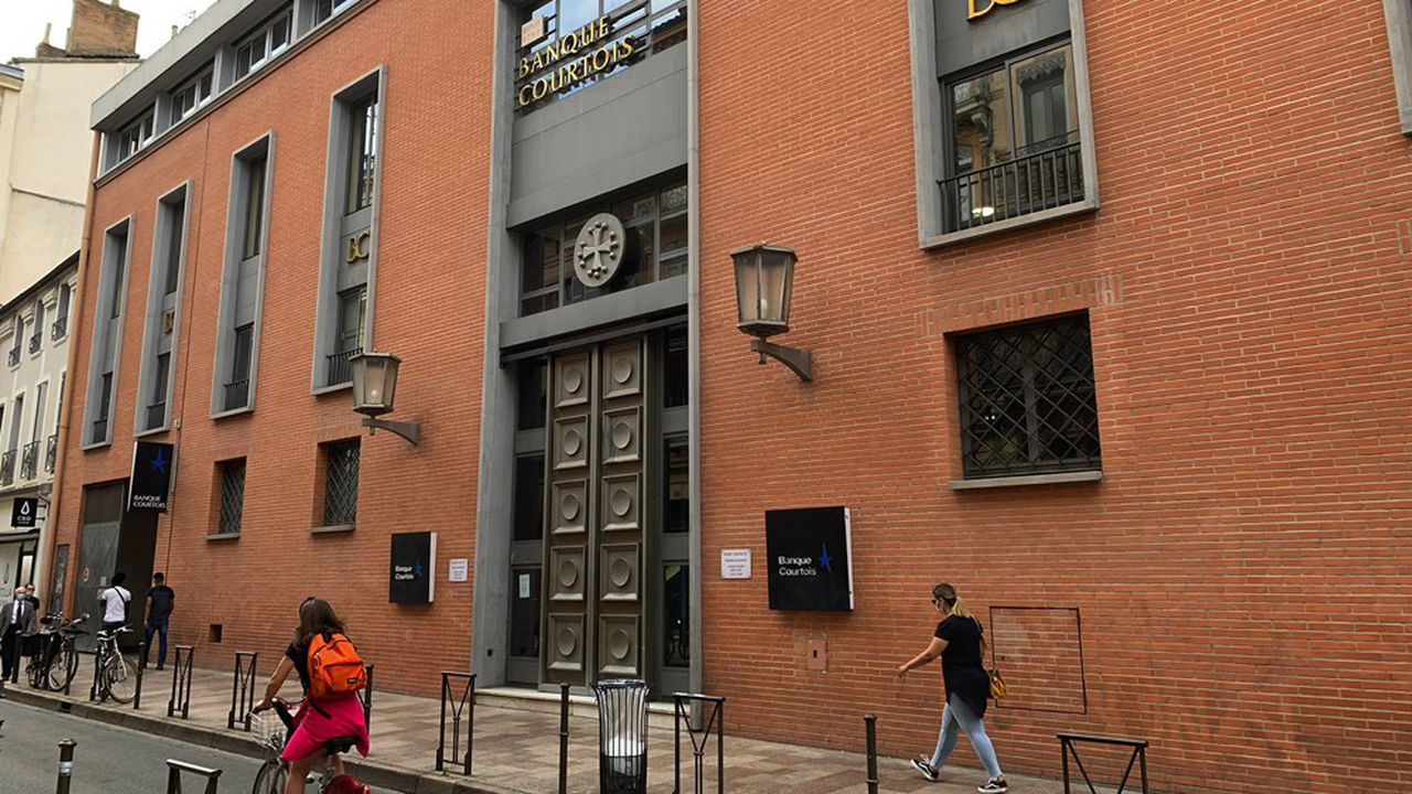Situé à une centaine de mètres de la place du Capitole, l'imposant siège de la Banque Courtois illustre le rôle joué par l'établissement dans le développement économique de Toulouse.