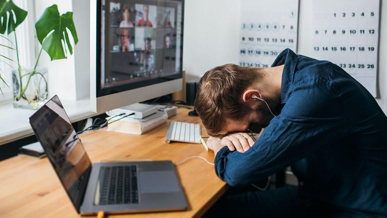 Une majorité d'employés en télétravailont le sentiment de «travailler plus» et d'être en «surconnexion».