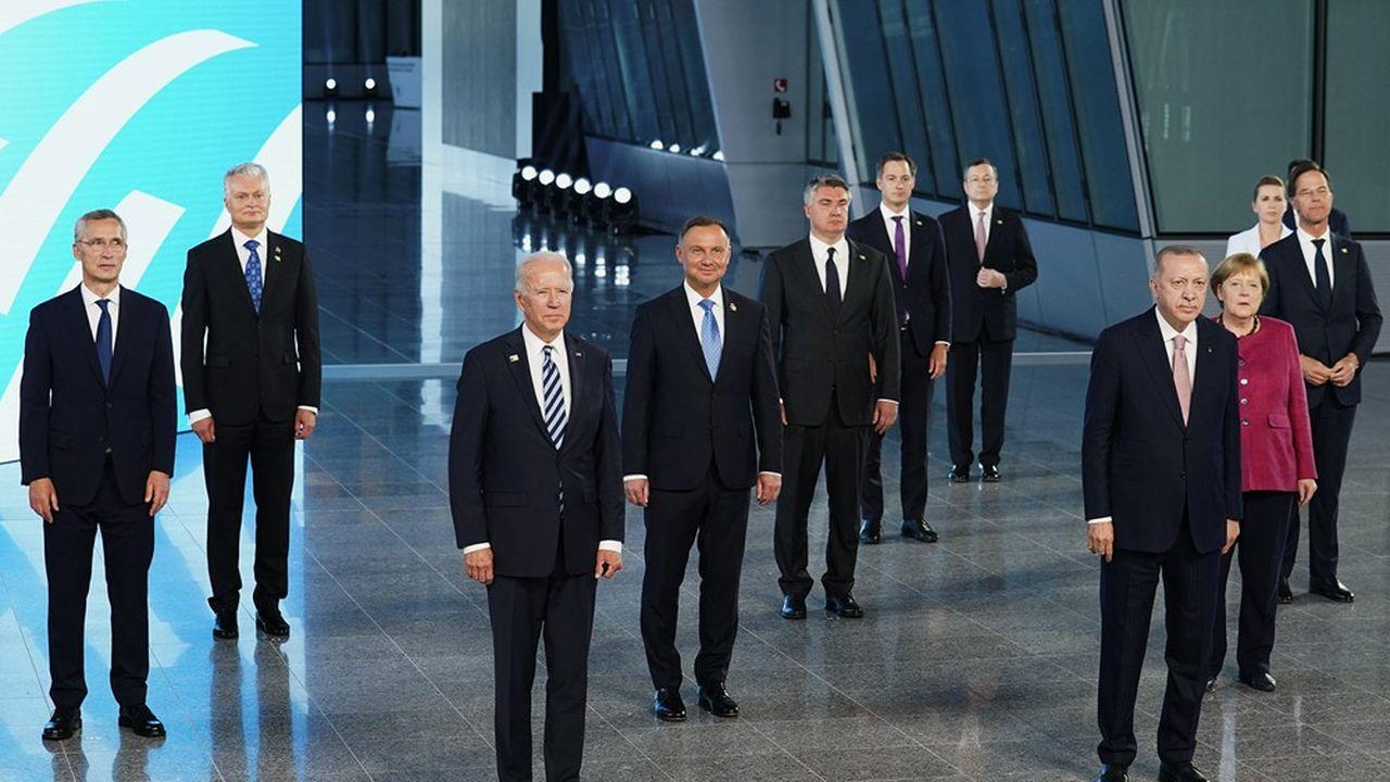 Le président des Etats-Unis, Joe Biden, lundi, lors de sa réunion avec les dirigeants des pays de l'Otan.