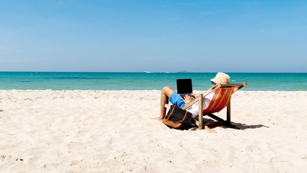 Bleisure est le mot-valise anglophone composé de «business» et «leisure», qui signifie pratiquer ses loisirs sur ses heures de boulot.