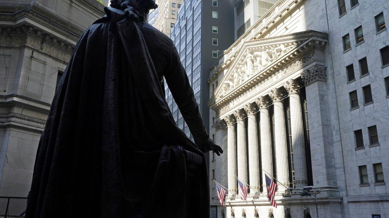 Le Nasdaq est monté de 0,74%, à 14.174,14 points, et le S&P 500 a gagné 0,18%, à 4.255,15 points.