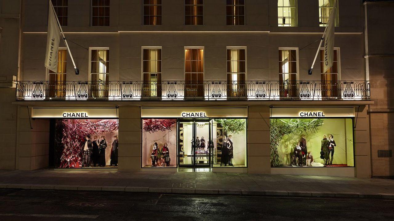 Chanel ha acquistato lo scorso anno il suo flagship store in New Bond Street a Londra, di cui il gruppo del lusso era inquilino.