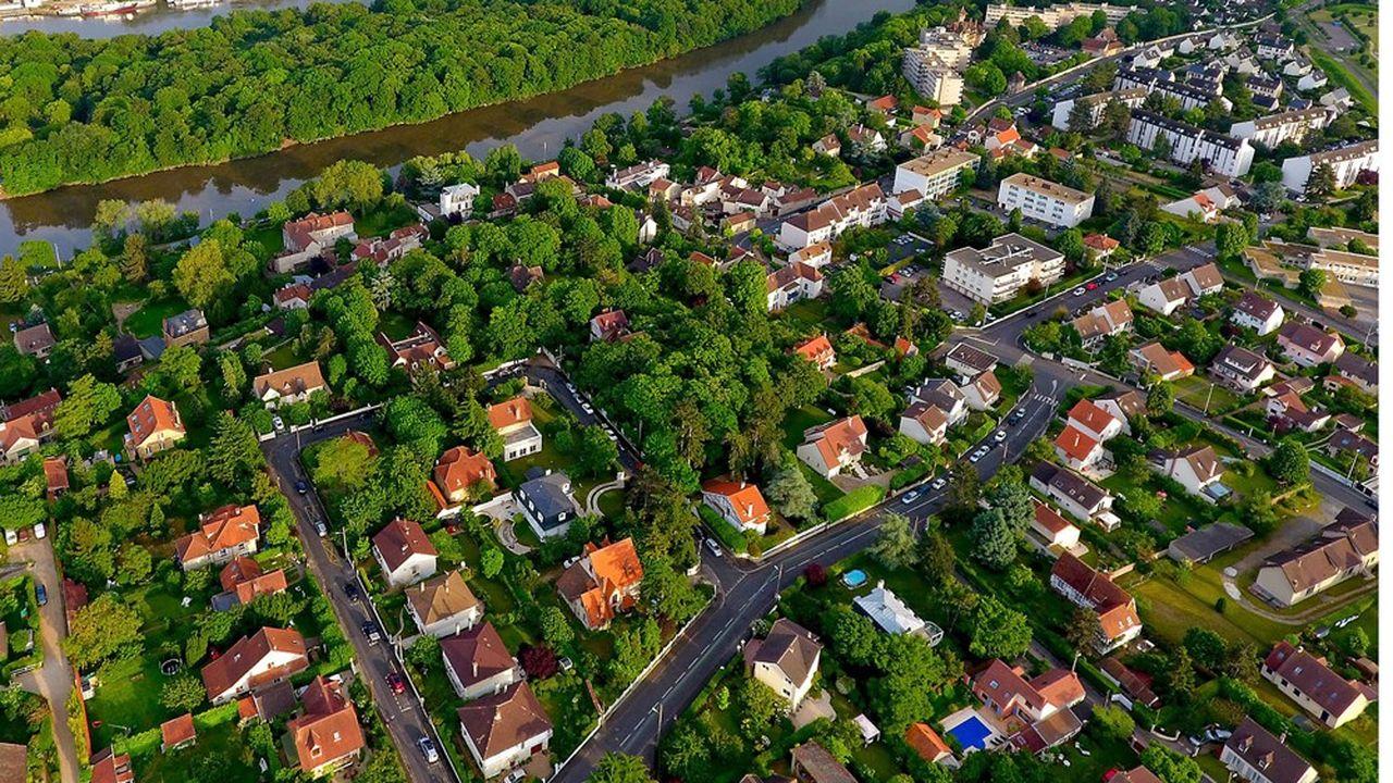 Selon le baromètre publié mardi par les notaires, les villes moyennes confirment leur dynamisme, avec une hausse de 4,54% du volume de transactions entre2019 et2020.