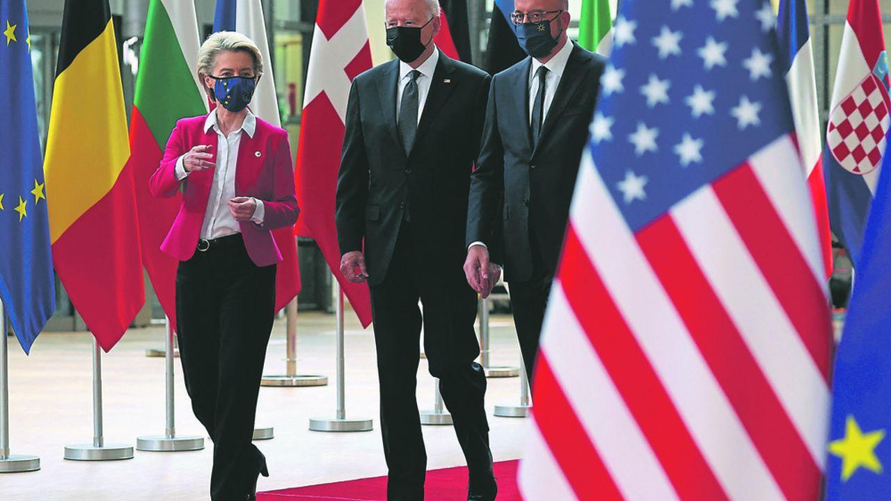 Le président des Etats-Unis, Joe Biden, lors de sa rencontre avec Ursula von der Leyen et Charles Michel, mardi à Bruxelles.