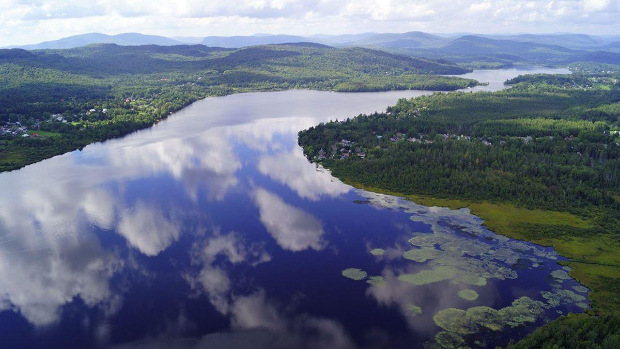 Le lac Saint-Charles, principale source d'eau potable pour la ville de Québec, sert de laboratoire.