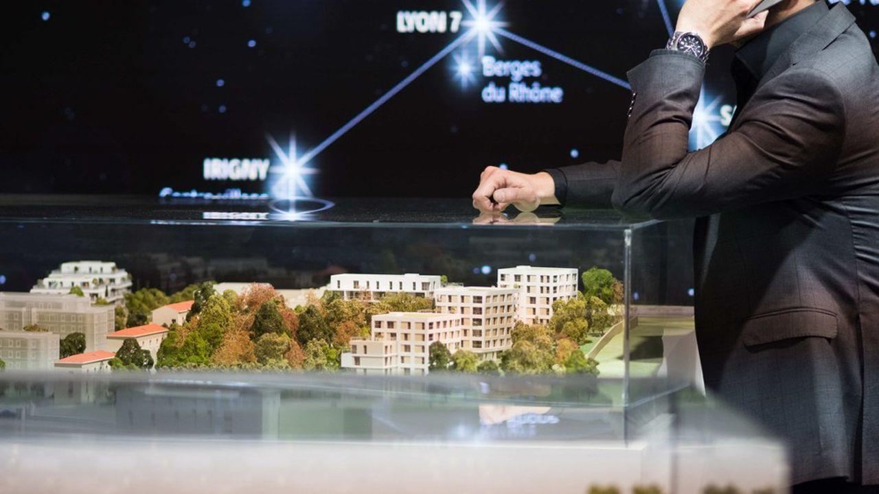 En mai2021, un appartement neuf coûte en moyenne 4.900euros par mètres carrés, en France, soit une hausse de 2% sur ces 12 derniers mois.