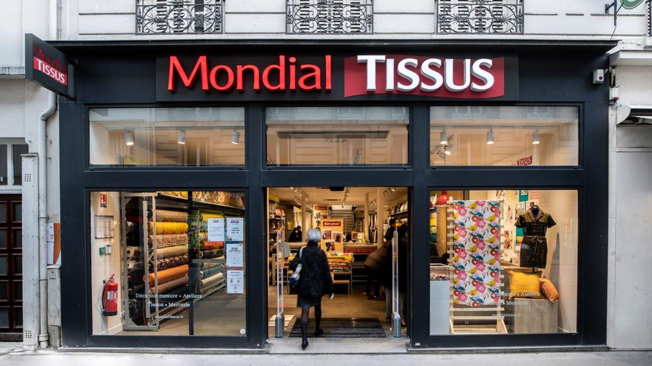 Mondial Tissus s'est ainsi installé l'an dernier au coeur de Paris, rue du Commerce (15e), une première pour l'enseigne.