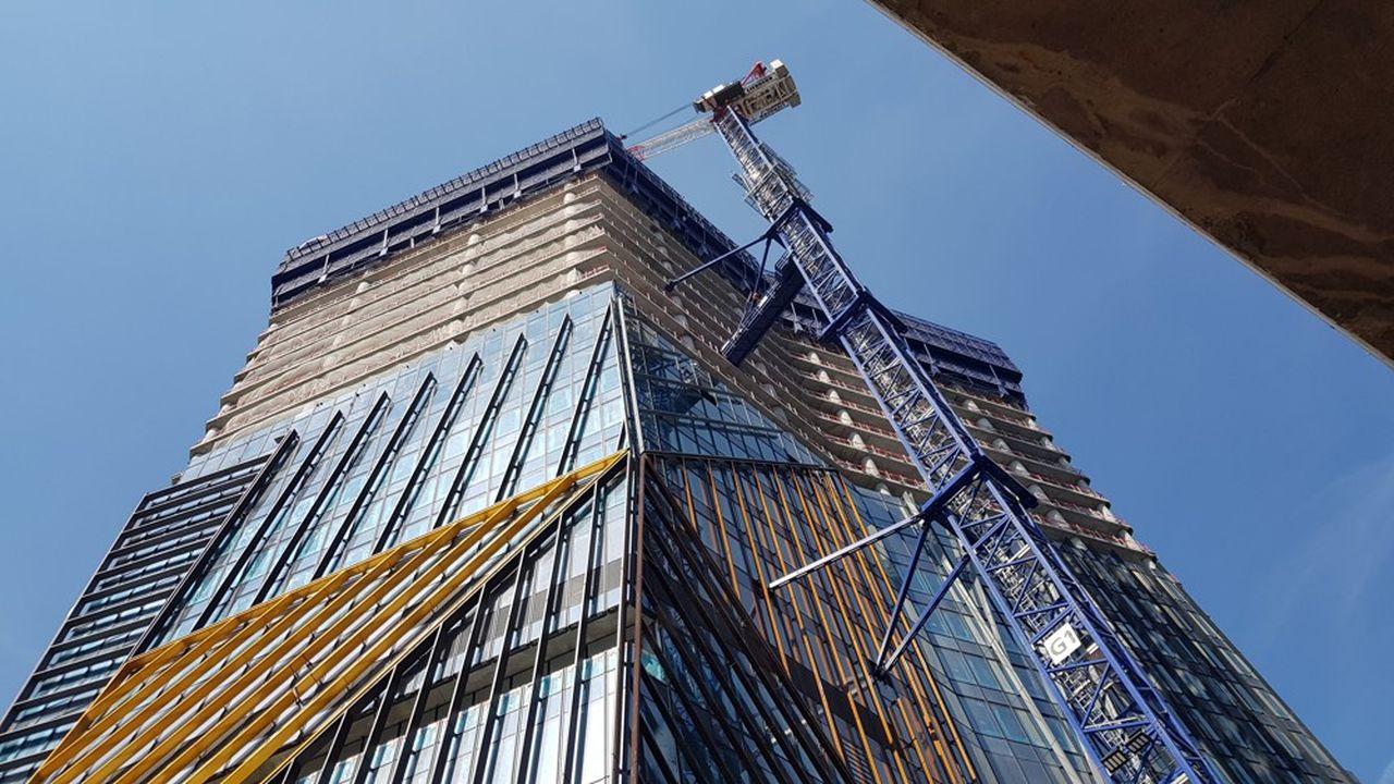 Le chantier de la tour Hekla se poursuit à la Défense.
