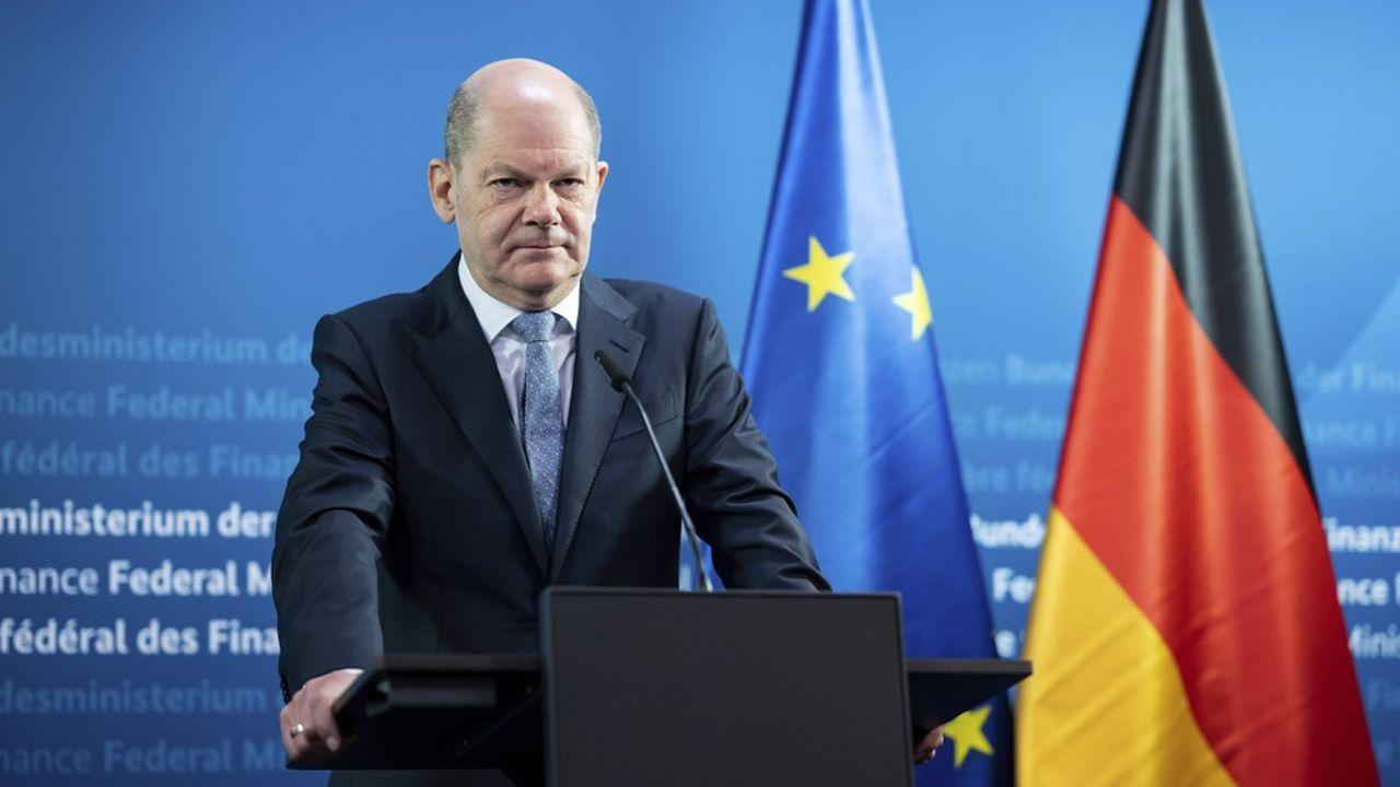 Le ministre des Finances Olaf Scholz s'apprête à faire adopter mercredi prochain un troisième projet de budget faisant une large place à la dette.