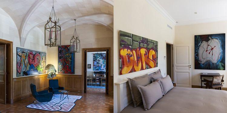 Au château Forbin, résidence d'artistes, des chambres et des espaces sont décorés avec des oeuvres new-yorkaises des années 70-80.