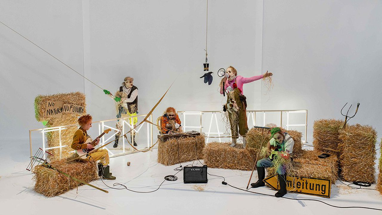 « Farm Fatale », spectacle de Philippe Quesne, à voir au TJP Centre dramatique national de Strasbourg.