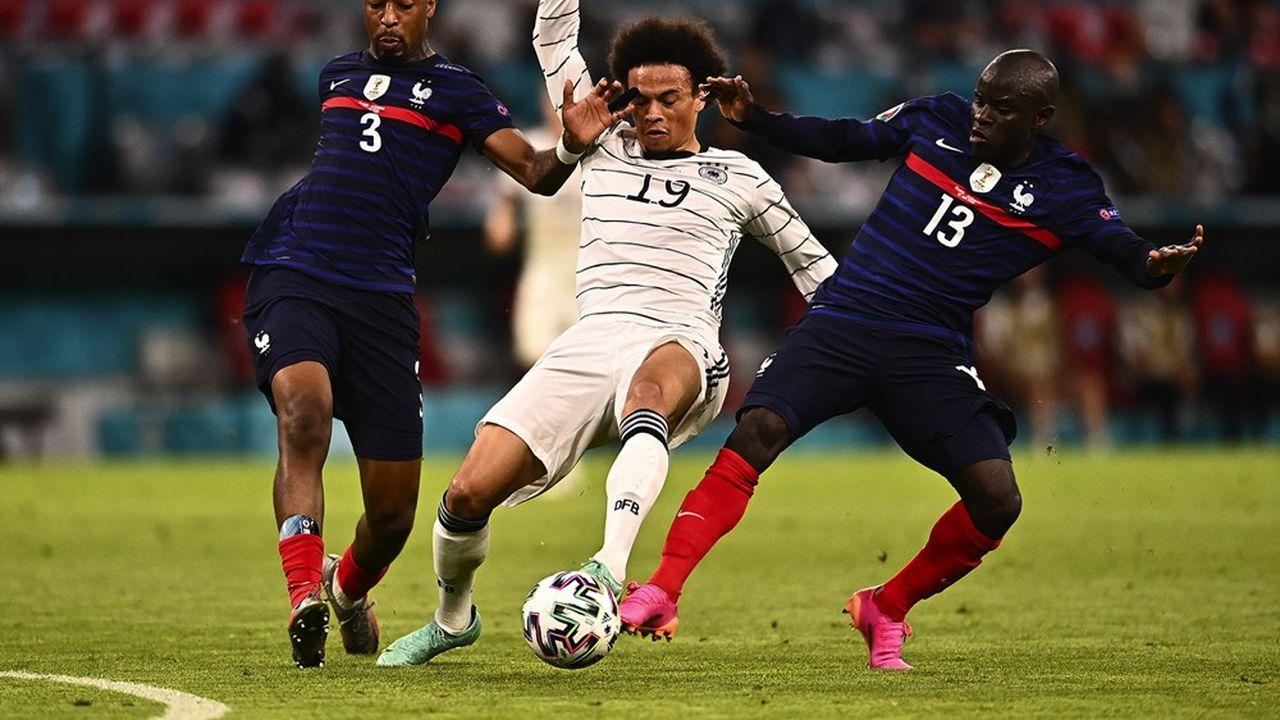 Natif de Beaumont-sur-Oise, le défenseur parisien Presnel Kimpembe a commencé à jouer au football en 2002 à l'AS Eragny