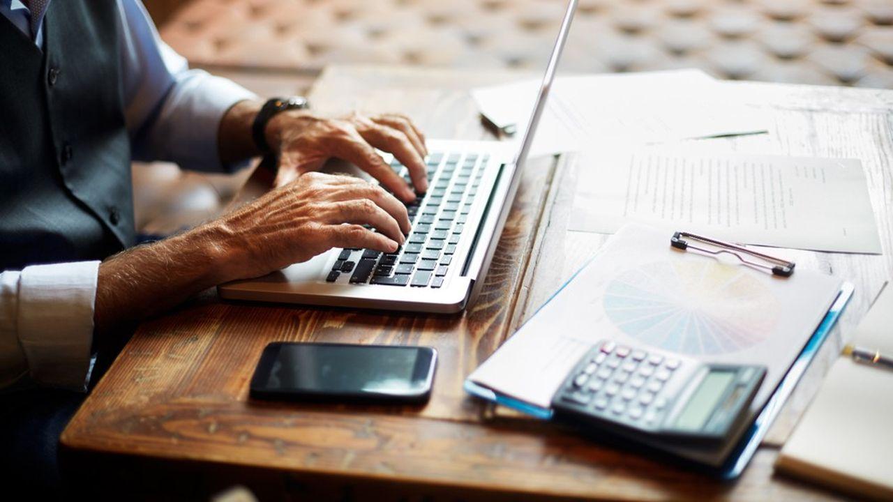 Les nouvelles arnaques financières passent le plus souvent par la voie du Web.