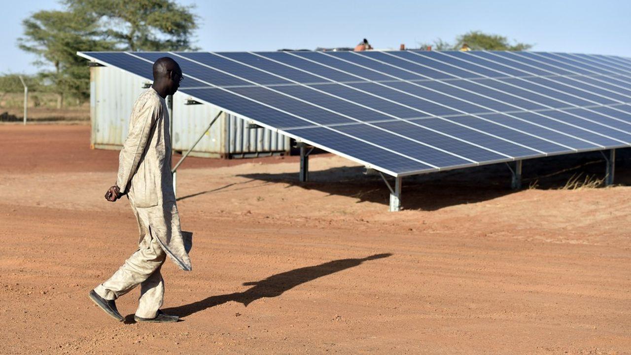 Les deux fondations veulent investir dans des «mini-réseaux» fonctionnant à l'énergie solaire.