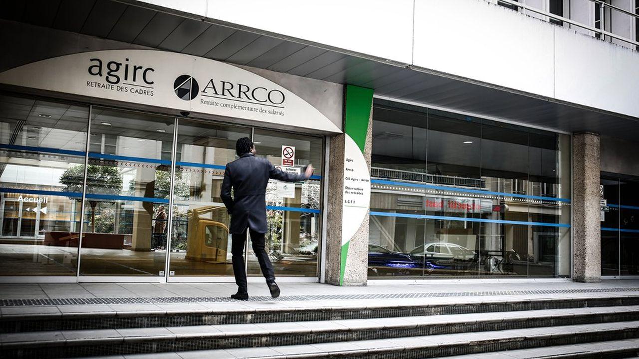 L'Agirc Arrco, le régime de retraite complémentaire des salariés du privé, a replongé dans le rouge en 2020.