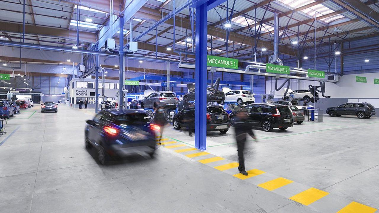 Mis en service à l'été 2020, ce garage automobile géant de 7.000 mètres carrés, qui désosse, répare et remonte les véhicules, a atteint le rythme de 30.000 véhicules annuels dès cet hiver.