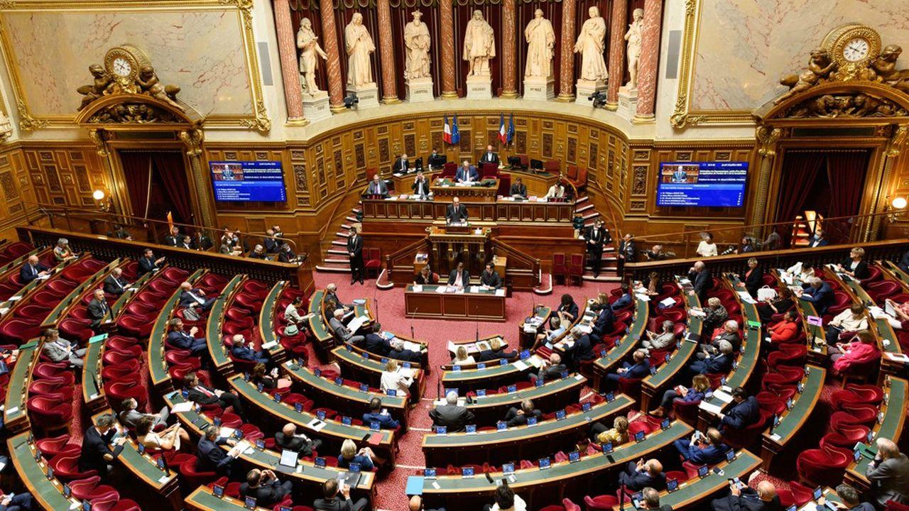 La majorité de droite au Sénat a déjà prévenu que la nouvelle mouture du texte ne lui convenait pas, éloignant d'autant la perspective d'un référendum.