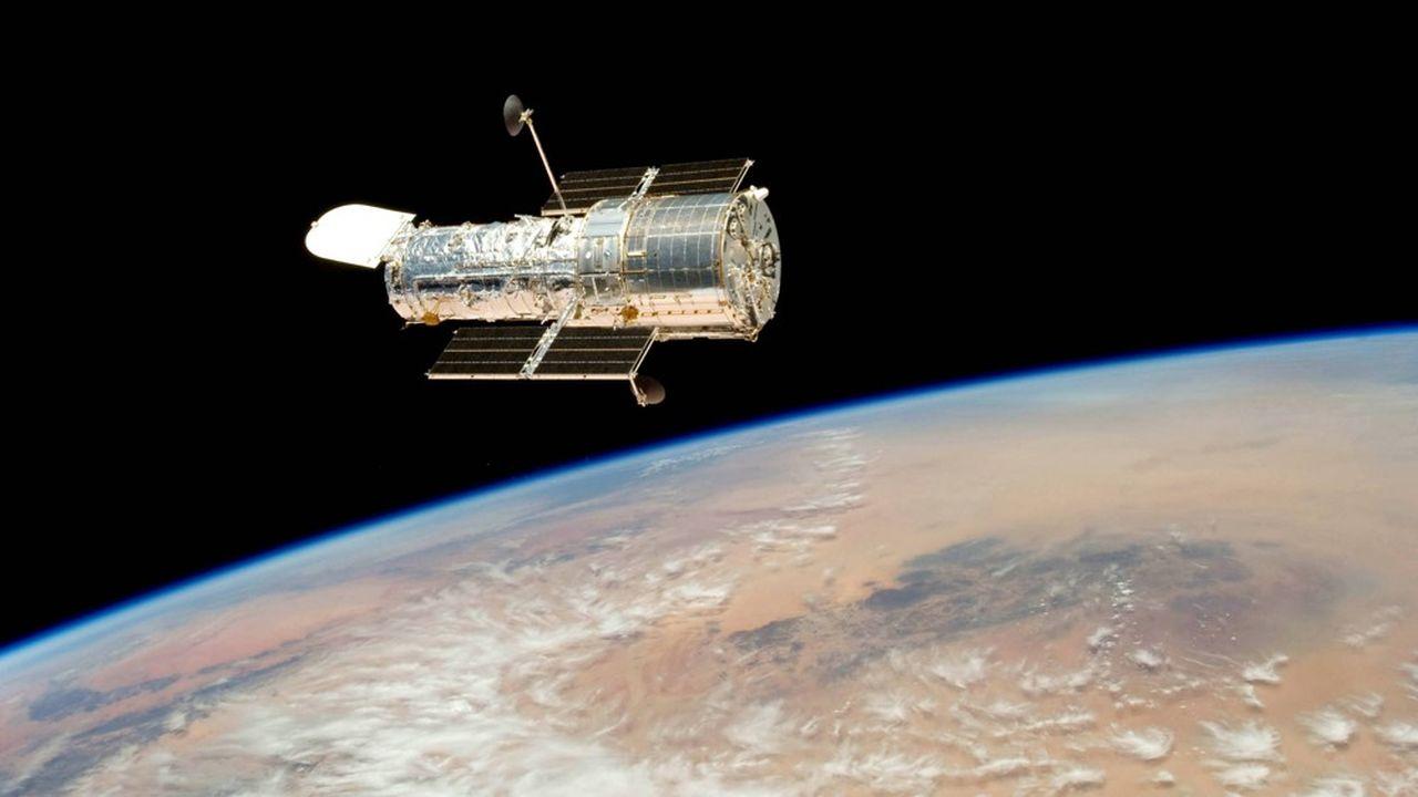 En orbite à environ 600km d'altitude, Hubble effectue un tour complet de la Terre toutes les 95 minutes.
