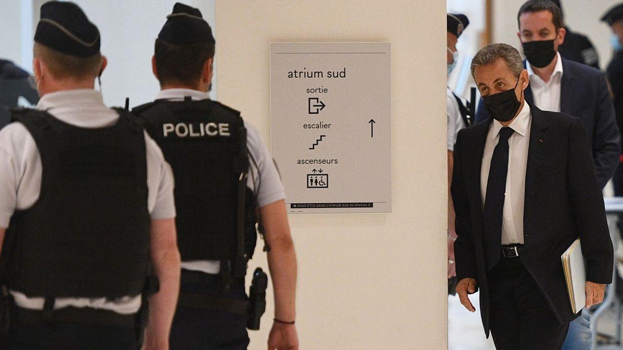 Le parquet a requis un an de prison dont six mois avec sursis à l'encontre de l'ancien président Nicolas Sarkozy.