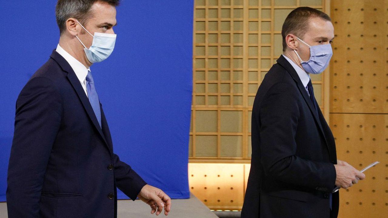 Les ministres de tutelle de la Sécurité sociale Olivier Véran et Olivier Dussopt font face à une aggravation du déficit projeté en 2021.