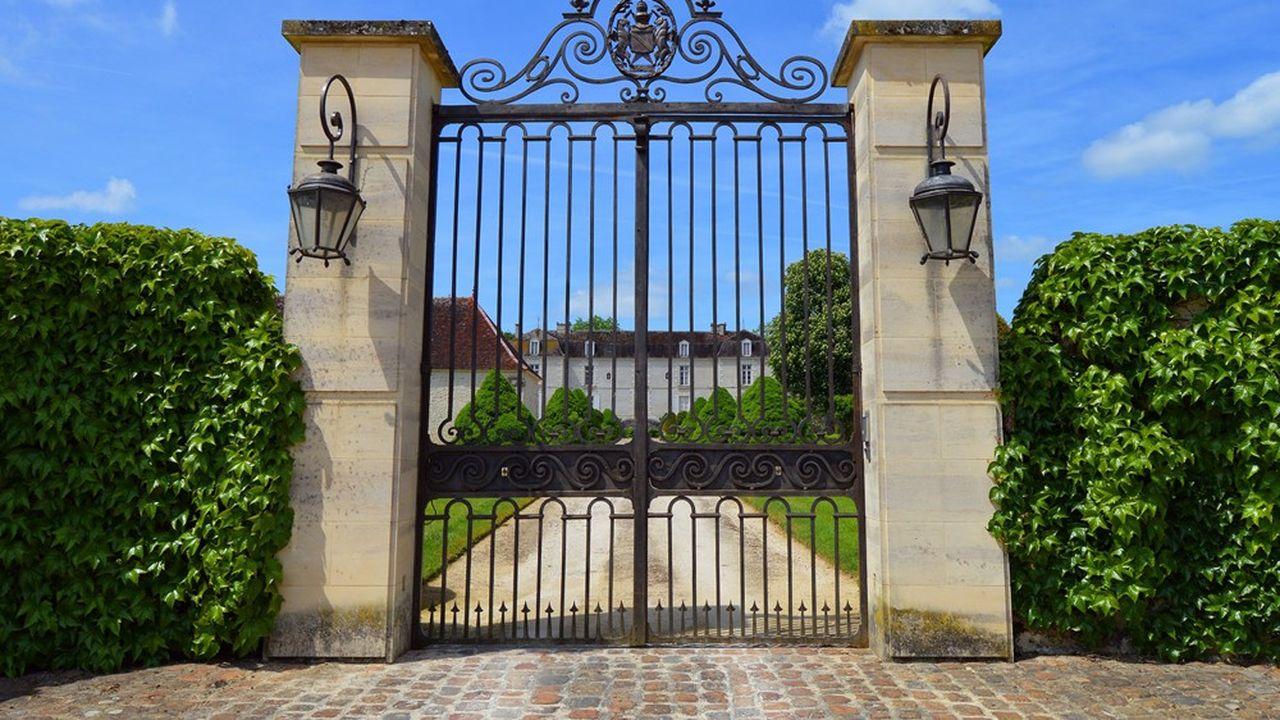 Les transmissions de patrimoine sont relativement concentrées en France.
