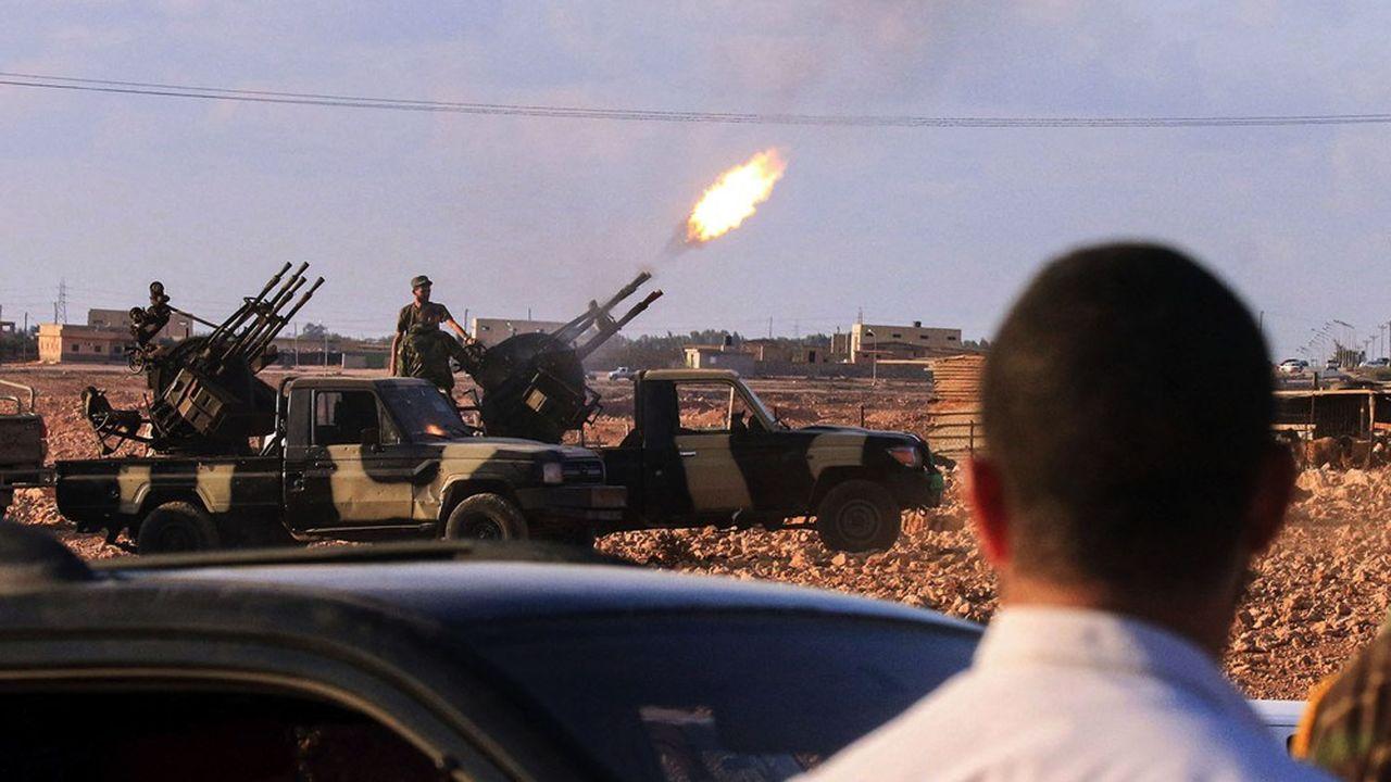 Les troupes du maréchal Khalifa Haftar tiennent l'est du pays mais n'ont pas réussi à s'emparer de Tripoli, leur offensive d'avril2019 ayant été contrée par, notamment, des forces turques.