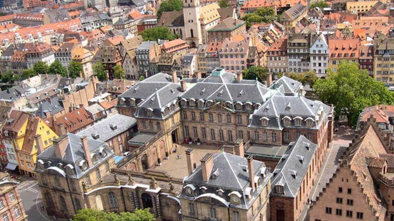 Le Palais des Rohans pris depuis la cathédrale de Strasbourg