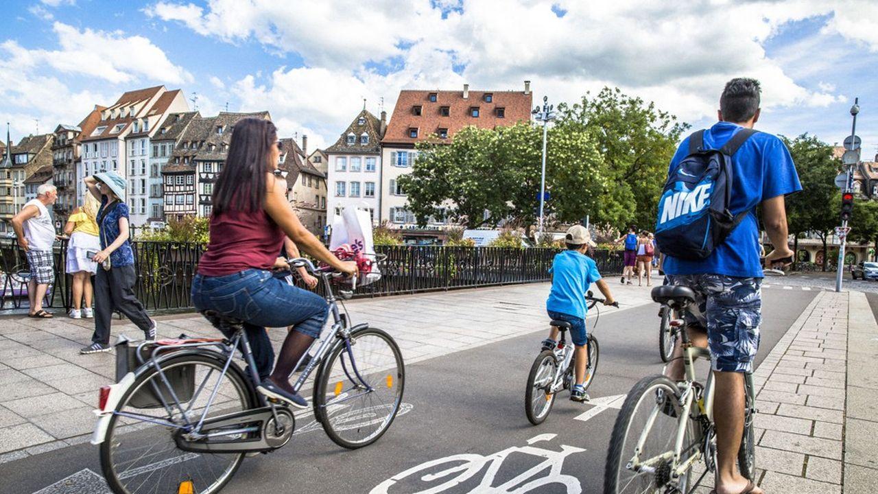 L'Eurométropole souhaite qu'un tiers des déplacements de moins de 5km soient effectués à terme à vélo.