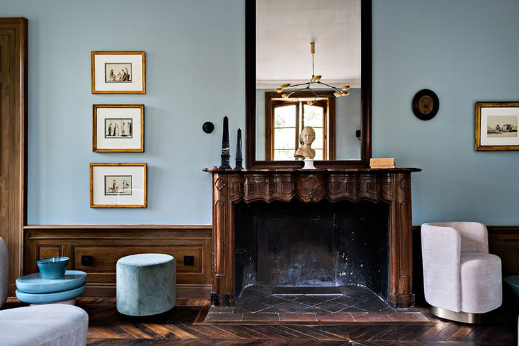 L'ancienne propriété de Catherine Deneuve déploie le charme d'une demeure de campagne, avec un supplément de luxe.