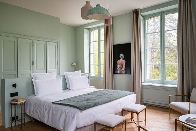 Dans les chambres, une ambiance mêlant intimité et romantisme.