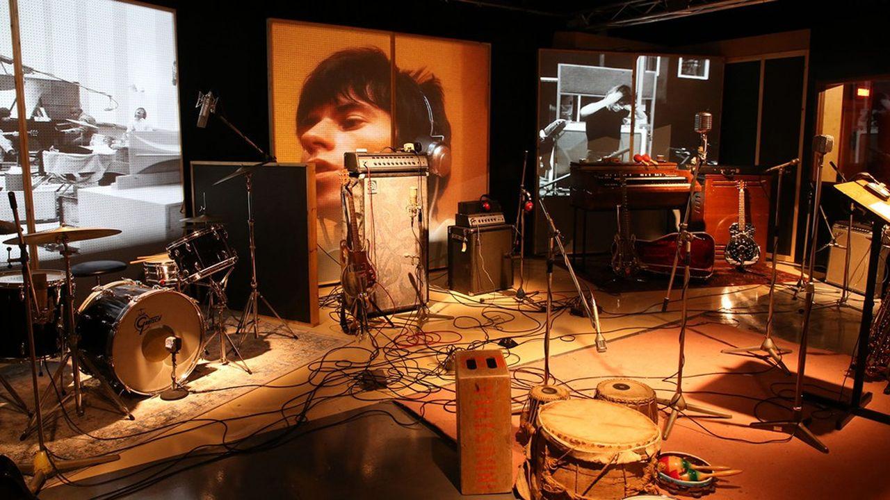 Quatre cents objets issus des collections des musiciens du groupe sont exposés à Marseille.