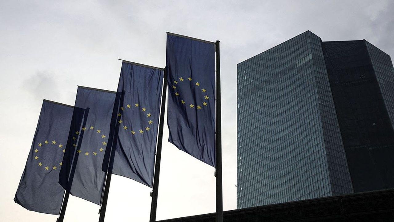 La Banque centrale européenne (BCE) est attendue sur un éventuel nouvel assouplissement de ses consignes en matière de dividendes bancaires.