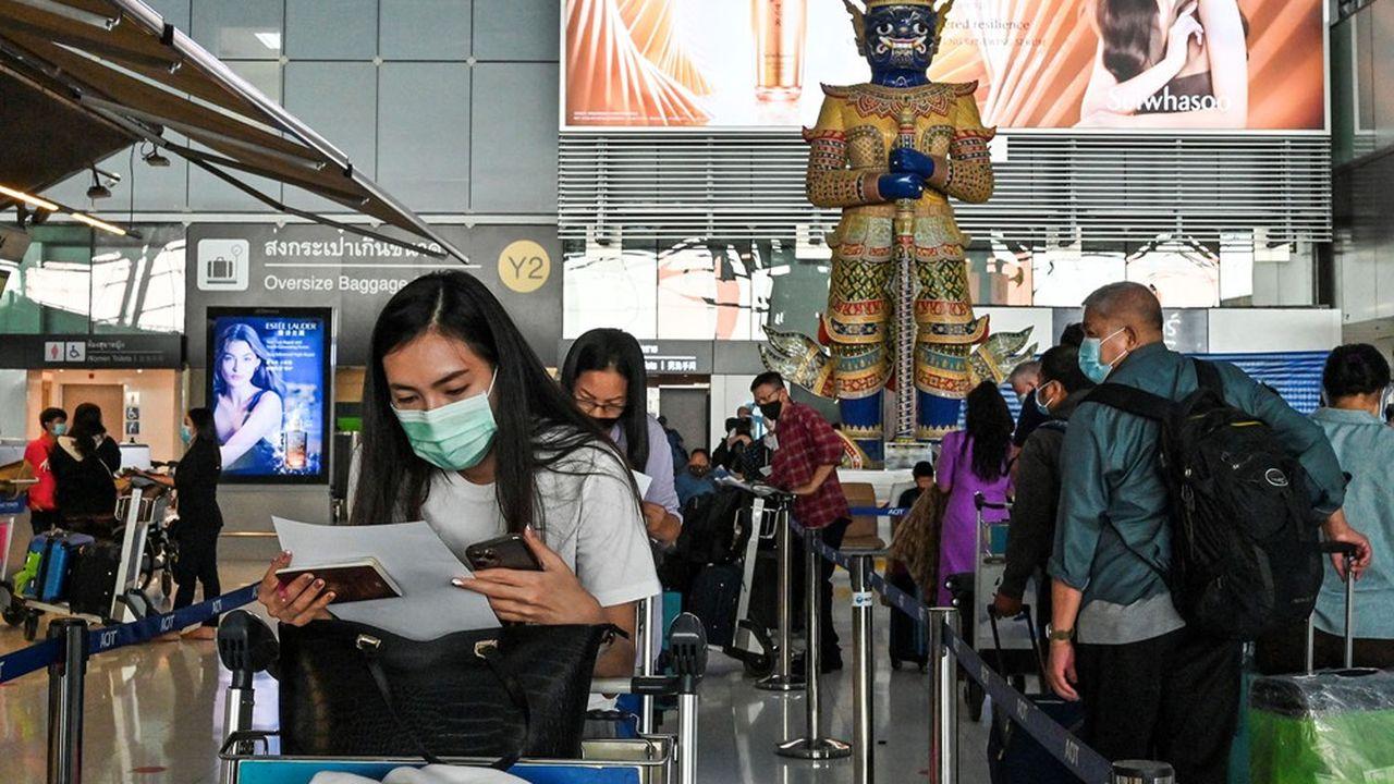 La Thaïlande a remis en place de nombreuses restrictions à Bangkok et dans plusieurs provinces touchées par un rebond de l'épidémie.