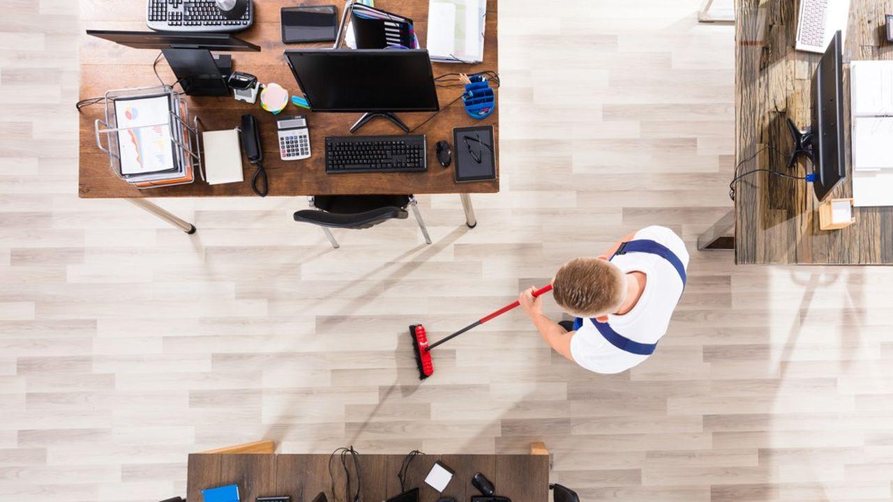 Sur l'année 2020, l'activité dans le milieu tertiaire, ce qui correspond au nettoyage des bureaux, a baissé d'environ 20% en Ile-de-France.