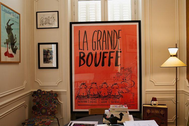 Dans les bureaux de Chapter 2, les affiches de « Lancelot du Lac», de Robert Bresson, et de « La Grande Bouffe» de Marco Ferreri, deux échecs…