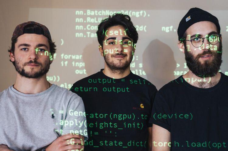 Les trois cofondateurs (de gauche à droite) : Gauthier Vernier, Hugo Caselles-Dupré et Pierre Fautrel.