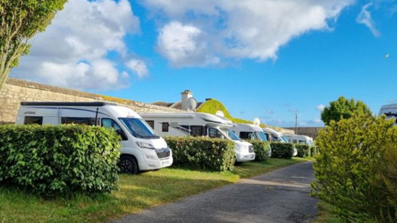 En France, 500.000 camping-caristes sillonnent les routes del'Hexagone.