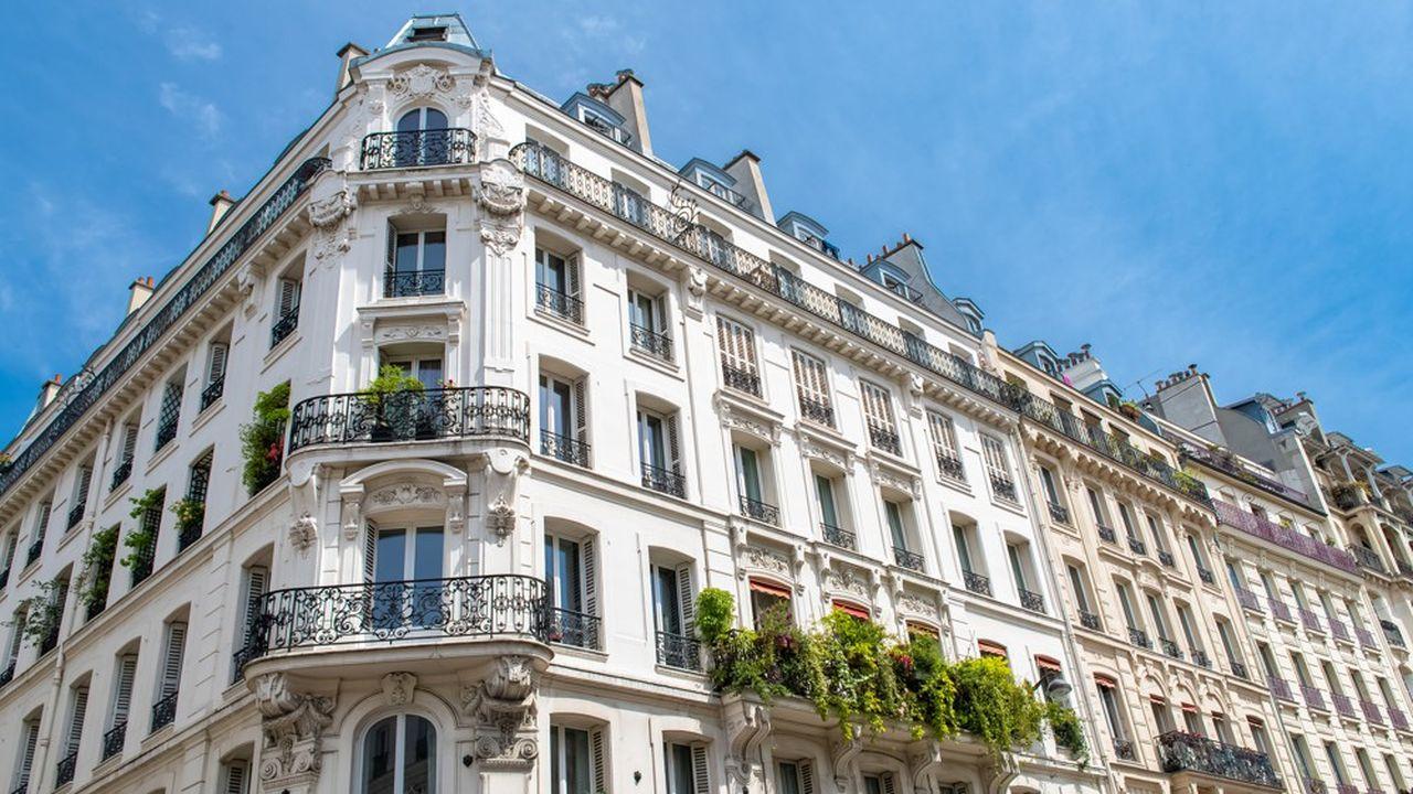 Le mètre carré parisien s'affiche en moyenne à 10.297euros. C'est une somme, mais il y a à peine un an et demi, la capitale semblait devoir franchir la barre des 11.000euros.