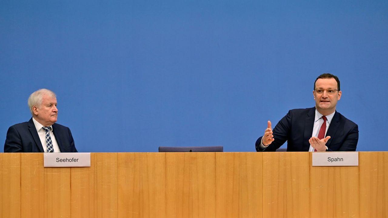 «Qui voyage doit s'attendre à être contrôlé», a déclaré le ministre de l'Intérieur allemand, Horst Seehofer, aux côtés deson homologue de la Santé, Jens Spahn.