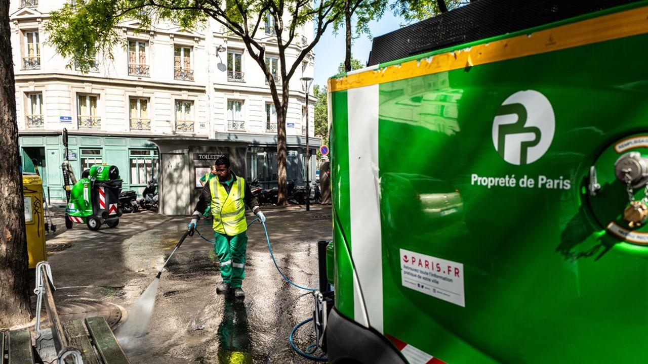 Aujourd'hui, les 55.000 agents de la Ville de Paris travaillent en moyenne 1.552 heures par an.