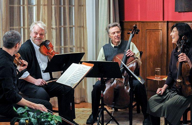 Philip Seymour Hoffman et Christopher Walken et Catherine Keener dans »Le Quatuor».