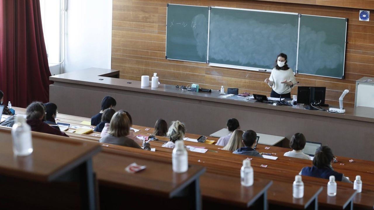 Plus de 87% des lycéens inscrits sur Parcoursup ont déjà reçu une proposition d'admission dans le supérieur, selon le gouvernement.