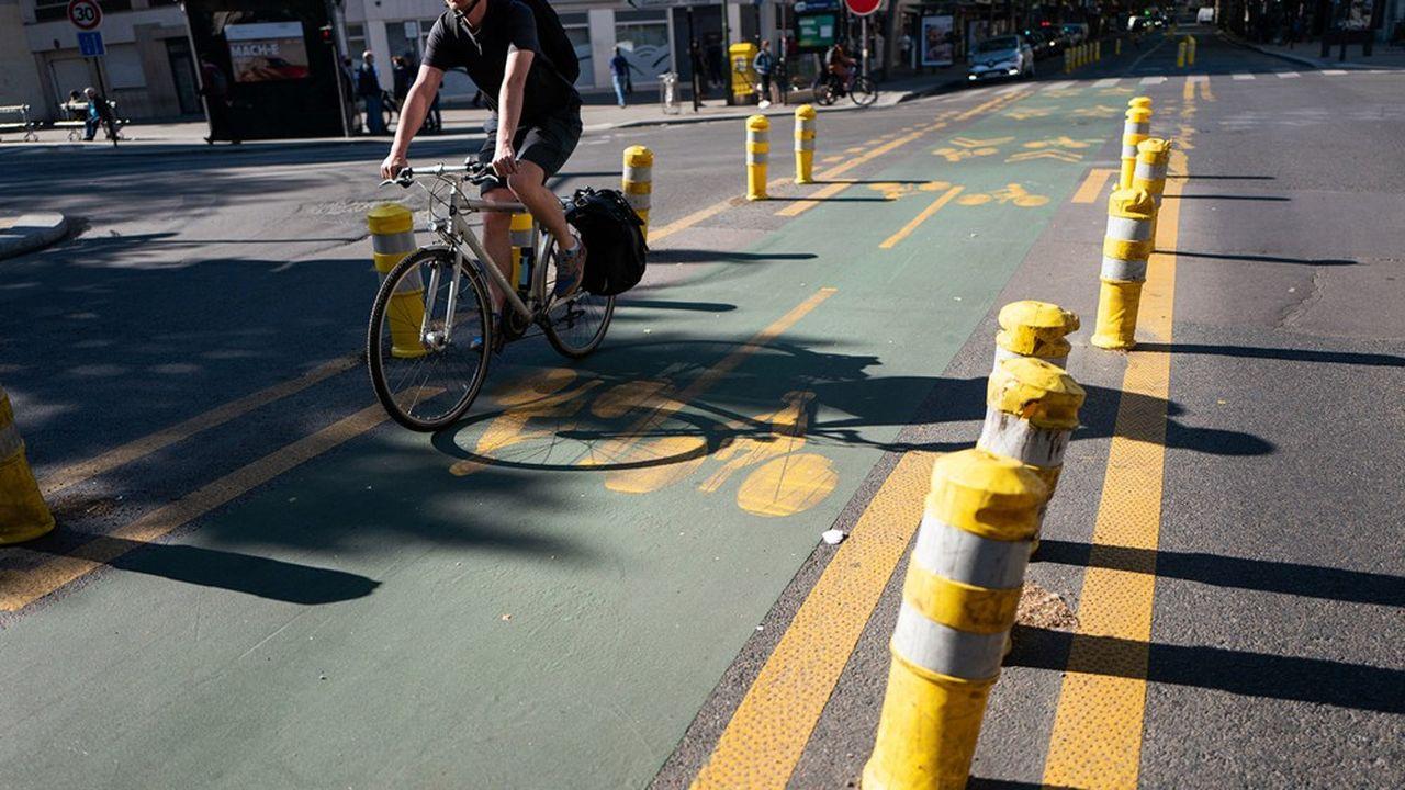 Pour répondre à une augmentation de déplacements à vélo pendant la pandémie, de nombreuses coronapistes ont été installées partout en Île-de-France.