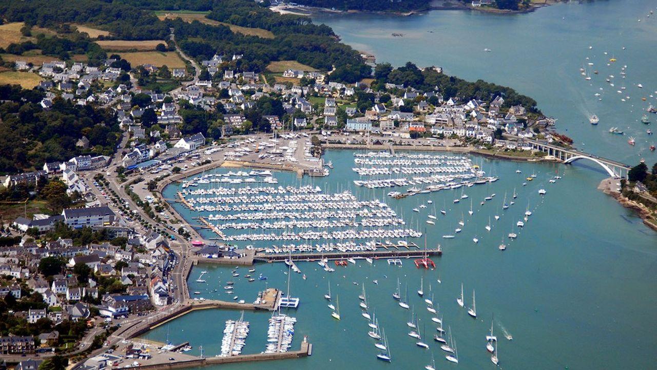 Quelles sont les stations balnéaires bretonnes les plus prisées? Ici: LaTrinité-Sur-Mer (56)
