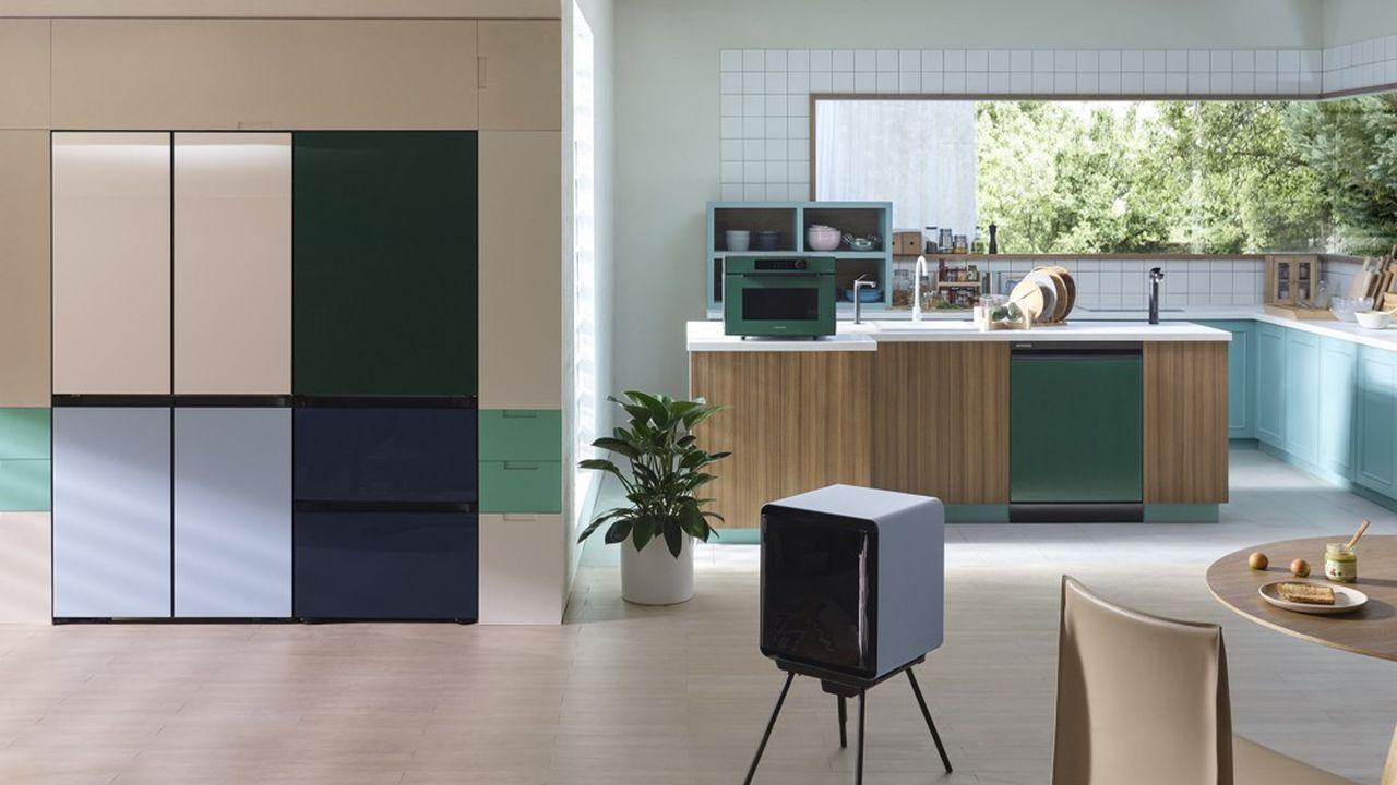 Samsung propose de composer le réfrigérateur qui s'intégrera le mieux chez soi, avec différents formats et couleurs.