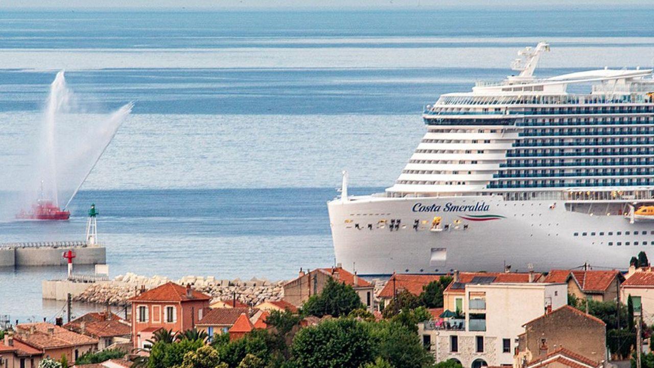 Le paquebot «Costa Smeralda» de Costa Croisières au départ de Marseille dimanche 4juillet.