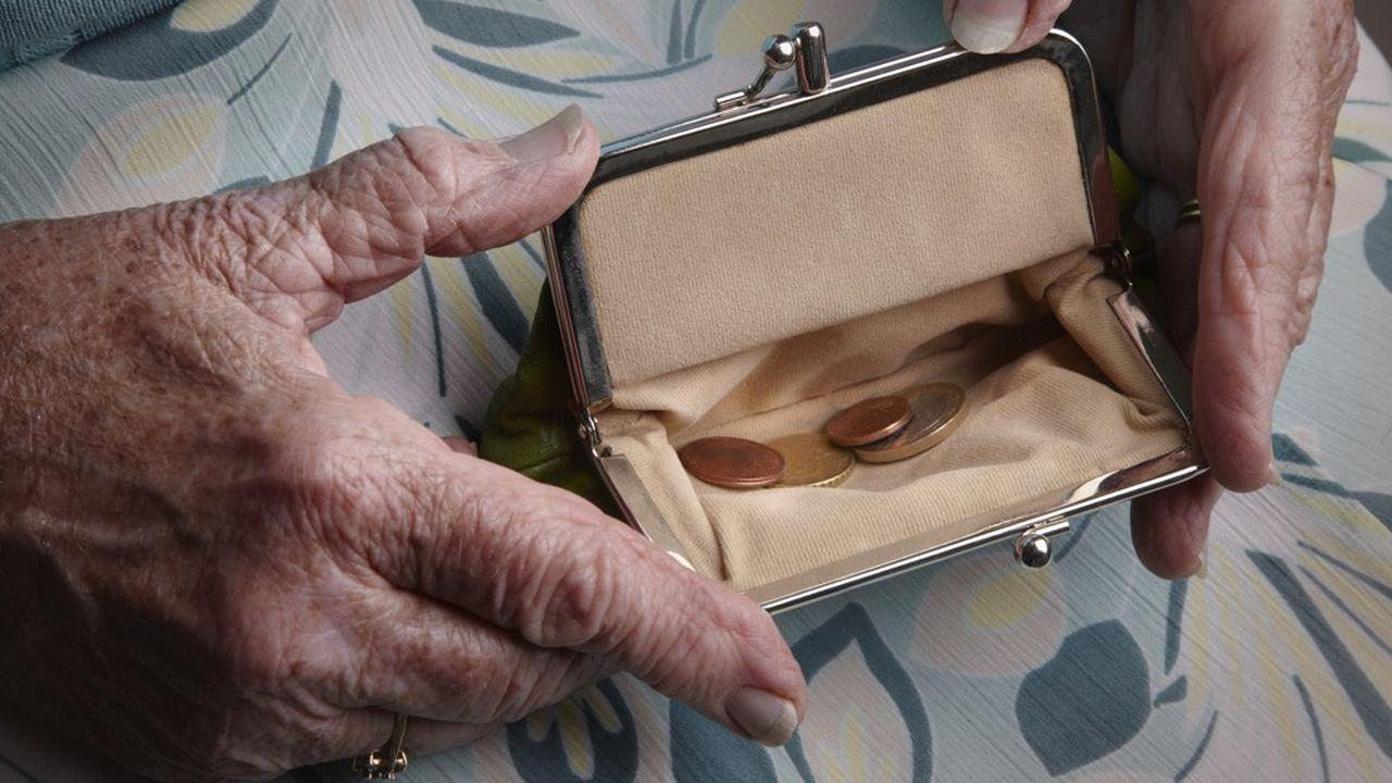 Les estimations du COR font état d'une baisse relative des pensions de retraite à venir.
