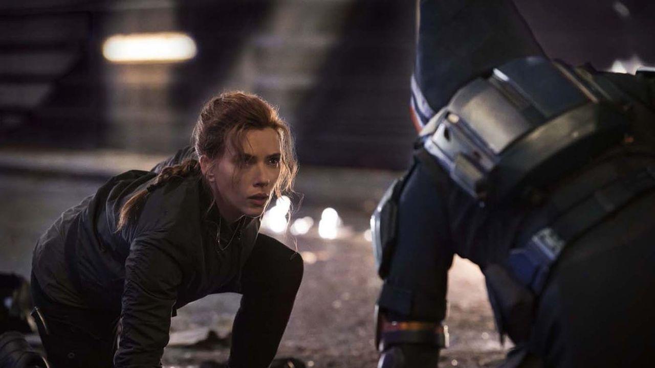 Scarlett Johansson «Veuve noire» en solo face aux forces obscures.